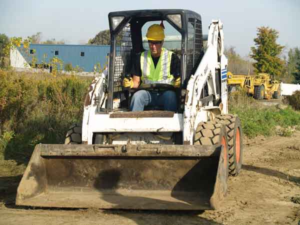 Guidelines to follow when operating skid-steer loaders and telescopic forklifts.